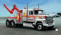 Italeri US Wrecker Truck
