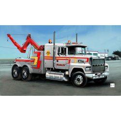 Italeri US Wrecker Truck- makett