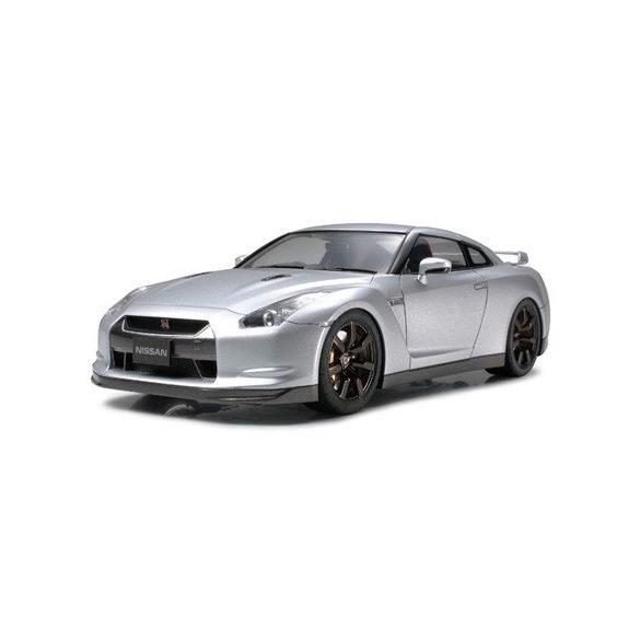 Tamiya Nissan GTR - makett