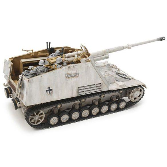 Tamiya Nashorn Heavy Tank Destroyer - makett
