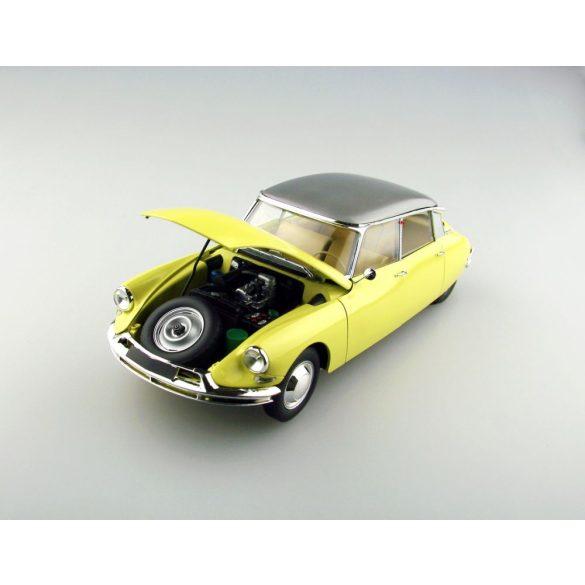 Ebbro 1:24 Citroen DS 19 Limousine - makett