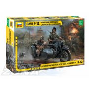 Zvezda German WWII Sidecar R12 with crew - makett