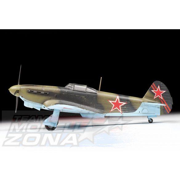 Zvezda - 1:48 YAK-1B Soviet Fighter- makett